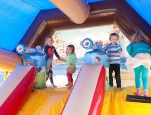 Hüpfburg mit Bällekanone - der Knaller für die Kids