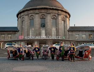 8 Rikschas und 14 Citycruiser kreuzen für perpedalo durch Köln