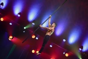 Saulo Sarmiento Discipline: Flying Pole Artist: Saulo