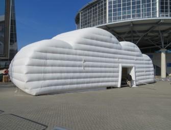 Aufblasbare Zelte: no problaim und die Cloud