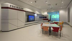 Zahlreiche Räume bieten Platz für Workshops, kulturelles Rahmenprogramm uvm.