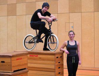 In der Staatlichen Artistenschule Berlin: Tim & Luzie werden erwachsen