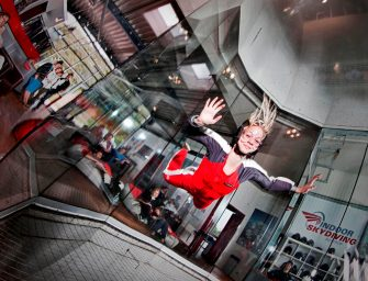 Indoor Skydiving Bottrop: Firmenevents mit Adrenalin-Garantie