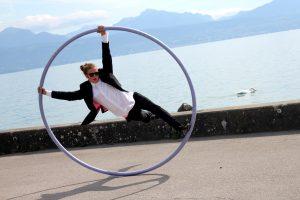 Im Cyr Wheel begeistert Jan seiner Zuschauer ebenso.