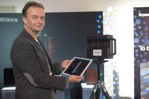 Der Scanner wird ganz einfach per Tablet gesteuert