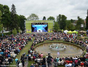 """bst präsentiert neue mobile Konzertbühne """"b-stage 120 HD"""""""