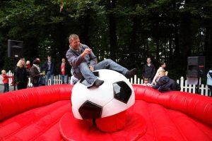 Sport & Spaß in einem beim Fußball-Rodeo.