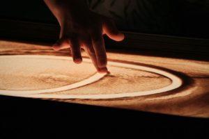 Sandartisten, Musik und Licht: Eine perfekte Performance.