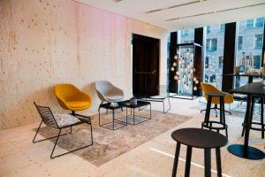 Auch fürs Loft kann man bei Party Rent passende Loungemöbel mieten.