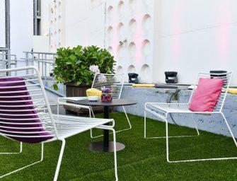 Ein Stuhl, viele Anlässe: Loungemöbel mieten bei Party Rent