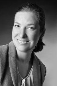 Weihnachtsfeier planen – Expertentipp zum Thema Catering von Katrin Wolffrom