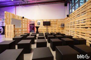 Palettenmöbel und -wände für einen spannenden Look