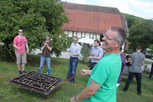Teams finden zusammen im Steinbachhof.