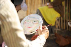 Begeistert die Gäste: Ein Porträt von sich selbst.