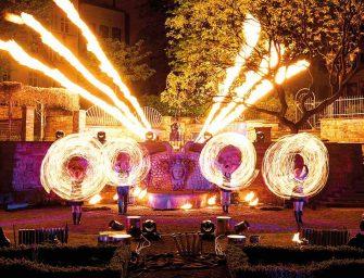 Licht, Tanz und Action: Die Feuershow für Events von Project PQ