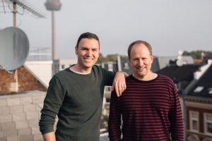 Können auch ernst: Moderatoren-Duo Olli Briesch und Michael Imhof.