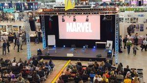 Um die Bühnen der Comic Con kümmert sich around.