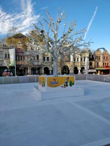 Eisbahn mieten - und Besucher in die Städte locken.
