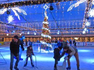 Viele erinnern sich beim Eislaufen an die Kindheit.