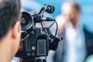 Auch der Einsatz von Journalisten, Mediengestalter oder Fotografen ist abgabepflichtig.
