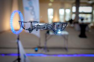 Racegates, Pylonen und Co. - Drohnenflug im Hindernisparcours