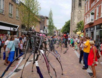 Festivals aus Künstleraugen – Bühne, Familientreffen und Ferienstimmung