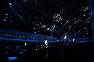 Auf sieben Bühnen wurden die Gäste unterhalten - gleichzeitig.