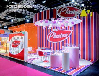 Bedruckter Messeboden für individuelles Branding: FOTOBODEN™