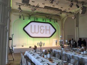 Mit der Veranstaltungs-Dekoration von Goldhut werden Räume zu Locations.