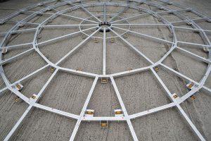 Bis zu 8 Metern Durchmesser gibt es die Drehbühnen.