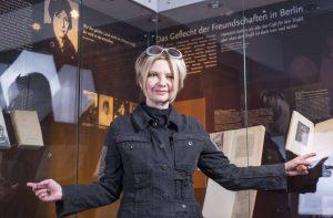 Claudia Gahrke organisierte zusammen mit Andreas Schäfer die Gedenk-Ausstellung an Else Lasker-Schüler.