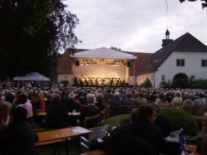 Trotz der schwierigen Verhältnisse in dem Burghof, war die Besuchersicherheit bei dem Jubiläumskonzert gewährleistet.