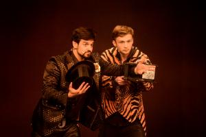 Siegfried & Joy unterhalten ihre Gäste auf der Internationalen Kulturbörse Freiburg 2020 nicht nur mit Zauberei.