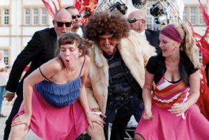 Wo der Dance Parader auftaucht, steigt die Party!