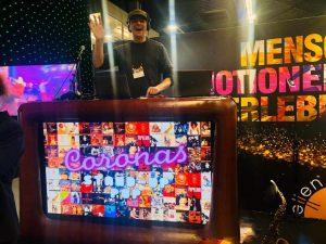 Auch als Live-DJ sind De Coronas einsetzbar.