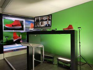 ...ein mobiles TV-Studio bringt die Messe direkt zum Kunden.