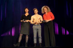 Johann Prinz wurde von memo-media, der IKF und der ZAV Berlin zum Sprungbrett-Preisträger 2019 ausgewählt.