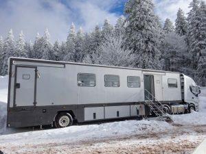 Büromobile mieten auch im Winter - bei FITOUT ist immer Saison.