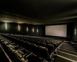 Wer sitzt nicht gerne in den dunklen Kinosälen und lässt sich in eine andere Welt entführen.