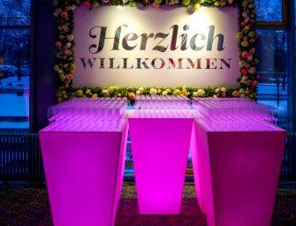 Leuchtende Ideen für jede Location –LED-Dekoration für Hochzeiten