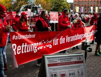Zweite Großdemo #AlarmstufeRot in Berlin