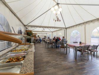 Outdoor-Gastronomie: Mehr Raumgewinn mit den HALTENT-Qualitätszelten