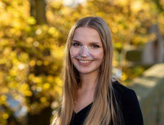 Endlich wieder lächeln mit der transparenten Maske Klara – und Gutes tun
