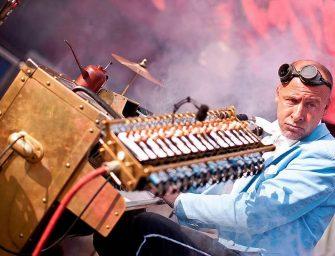 """One-Man-Band """"Universal Druckluft Orchester"""" sorgt für Stimmung"""
