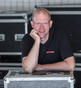 Marc Breckenkamp ist der Ansprechpartner für die happy disinfection-Box.