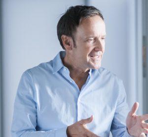 Michael Hosang ist Gründer und Geschäftsführer des Studieninstituts für Kommunikation