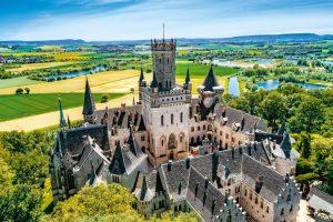 Ein wunderschöner Hingucker: Schloss Marienburg. (Credit: Stefan Knaak Photography)