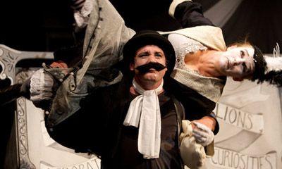 Bash Street Theatre zeigt: The Strongman