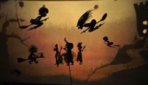 Theater Schattino beim 37. Puppenspielfestival in Wiesbaden: Die Kleine Hexe Rosalie