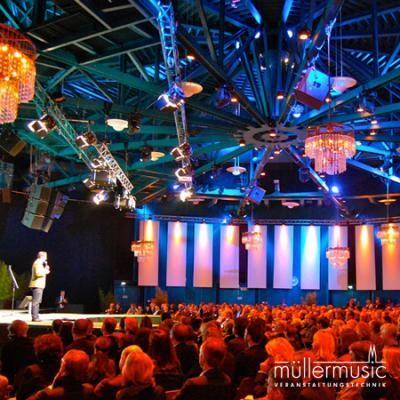 Tagung/Kongress  Wenn einer redet und alle zuhören, muss die Technik passen: Bühne, Licht, Ton und Video. Bestens installiert – hat Spaß gemacht! Weitere Infos finden Sie auf www.muellermusic.com